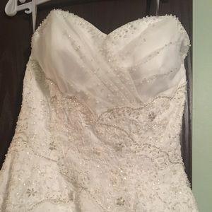 Raylia wedding dress